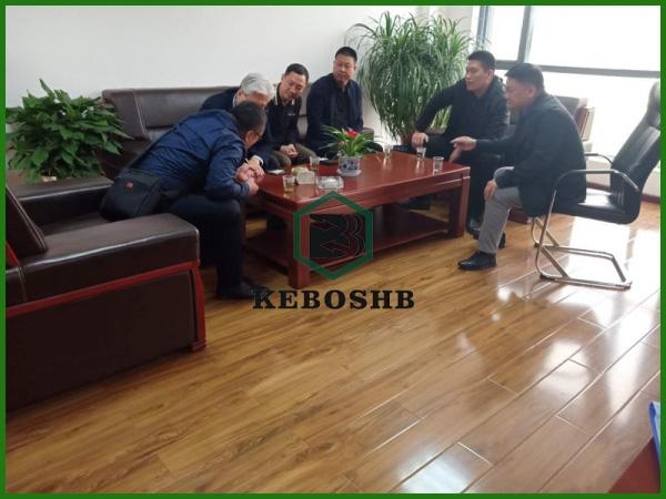 韩国 /陪同韩国客户参观车间废轮胎炼油设备