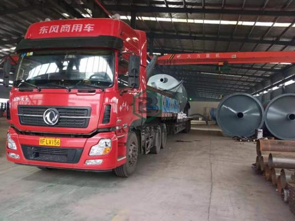 恭喜甘肃客户6套轮胎炼油设备今天发第一车