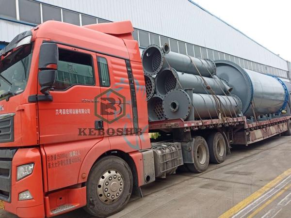 贵州客户订购的两套废油泥炼油设备已装车